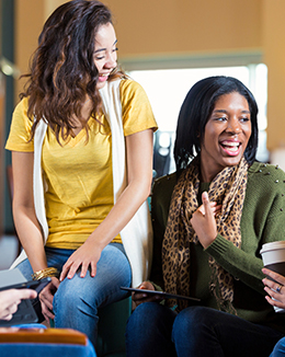 portrait-image_0002_group-of-high-school-or-college-students-hanging-out-000082691585_large